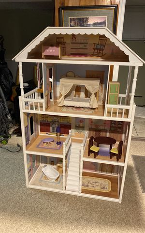 4ft dollhouse for Sale in Lakeland, MN