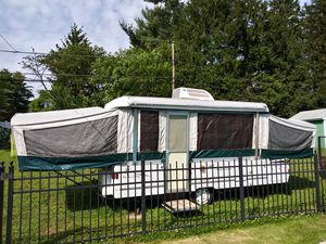 2002 coleman fleetwood camper rv for Sale in Ivyland, PA