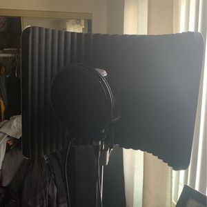 Sterling Audio VMS Vocal Microphone Shieldi for Sale in Los Angeles, CA