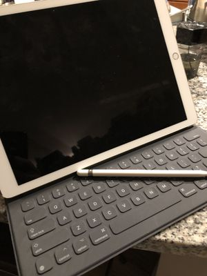 iPad Pro 12 inch w keyboard and pen for Sale in Raleigh, NC