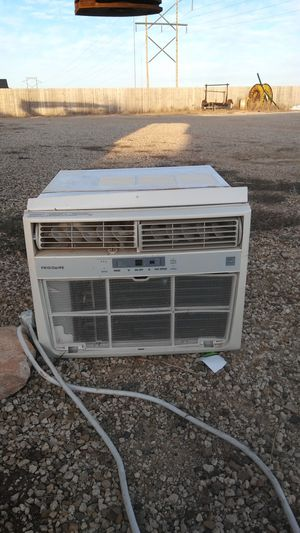 Large air condiotioning unit by Frigidaire works great temp comtrol and diff speeds for Sale in Lubbock, TX