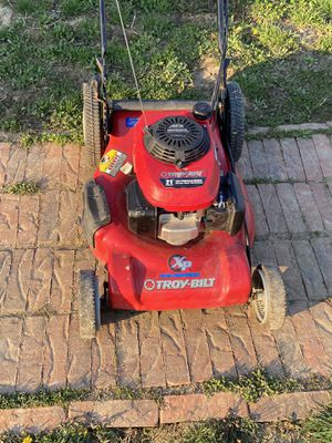 Self propelled push mower for Sale in Tonganoxie, KS