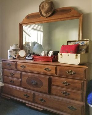 Wood dresser and mirror for Sale in West Covina, CA