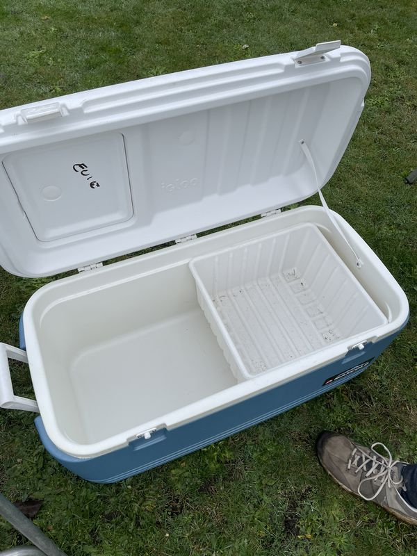 Large Igloo Maxcold Cooler