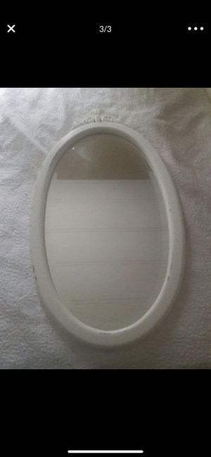 Oval White Framed Mirror for Sale in City of Industry, CA