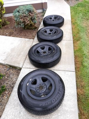 Jeep Cherokee wheels and tires for Sale in Issaquah, WA
