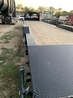 Lamar trailer gosseneck cars hauler 36 feet 2021 for Sale in Pasadena, TX