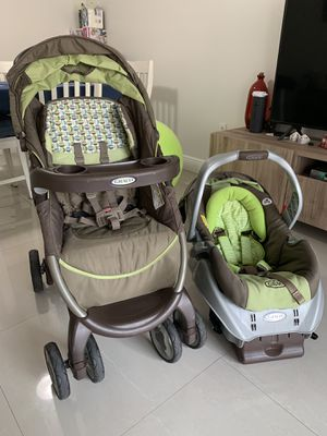 Stroller + Infant Car Seat and Car Seat Base for Sale in Coral Gables, FL