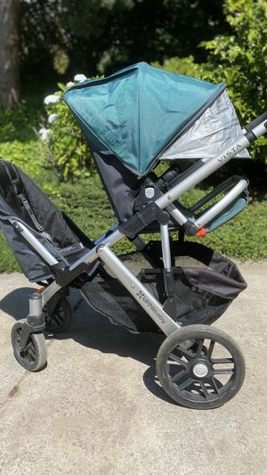 Uppababy vista double stroller with bassinet for Sale in Bellevue, WA