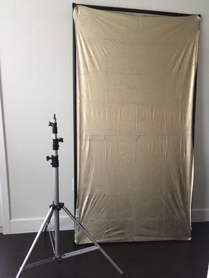 MANFROTTO Air Cushioned stand and collapsible reflector - VALUE $270 for Sale in Austin, TX