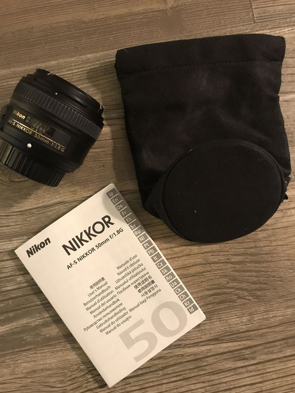 Nikon D90 12.3MP Digital Camera + VR