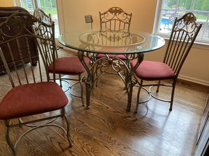 Kitchen Table and Chairs for Sale in Lumberton, NJ