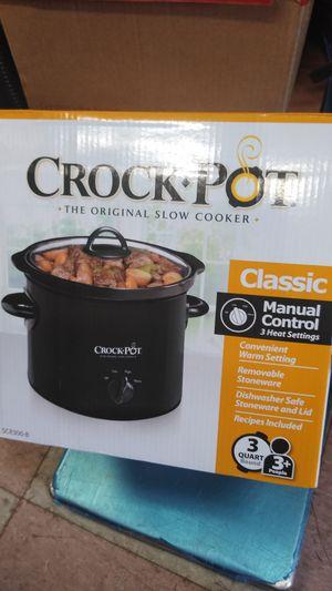 Crock-Pot the original slow cooker manual control 3 heat settings for Sale in Philadelphia, PA