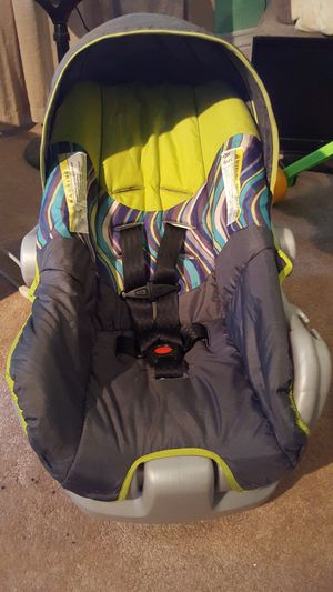 Car seat with detachable cradle for Sale in Findlay, OH