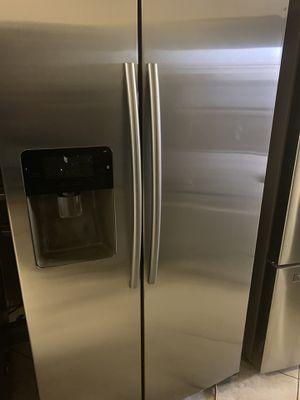 Refrigerator Samsung for Sale in Phoenix, AZ
