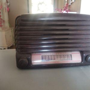 Vintage GE Am Radio for Sale in Covina, CA