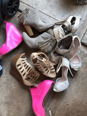 9ee1614c548 5 pairs of shoes size 7.5-8 for Sale in Fresno