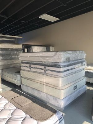 MATTRESSES TOP BRAND STARTING AT $299, ALL BEDS NEW WRAPPED IN PLASTIC!! for Sale in La Costa, CA