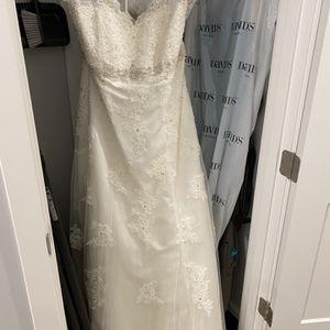 Gorgeous Wedding Dress ! for Sale in Litchfield Park, AZ
