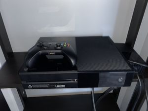 Xbox one 1T black for Sale in Chicago, IL