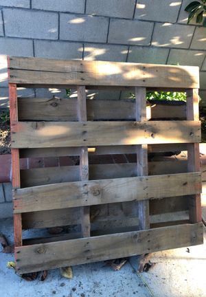 Pallet (for forklifting heavy items) for Sale in Chino, CA