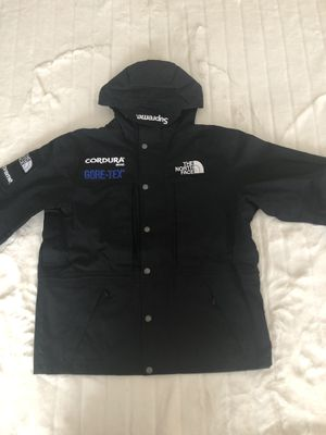Supreme northface expedition jacket black Sz Small brand new for Sale in Woodhaven, MI