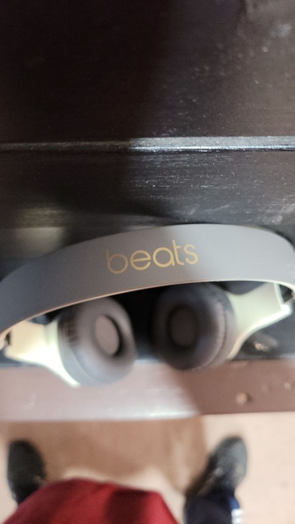 Beats by dre solo Bluetooth headphones