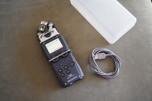 FT or FS: Zoom H5 Handheld Recorder for DSLR's, Video and Mirrorless Cameras, for Sale in Carmichael, CA