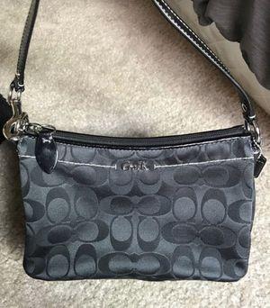 Coach purse crossbody for Sale in Fresno, CA