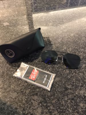NWT Authentic Ray-Ban Sunglasses for Sale in St. Cloud, FL