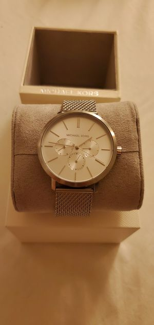 Mens Micheal Kors Brand New Silver for Sale in Artesia, CA