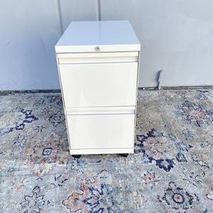 CREAM COLOR - 2 DRAWER FILE CABINET PEDESTALS for Sale in Tustin, CA