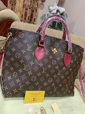 Handbag for Sale in Shelby Charter Township, MI