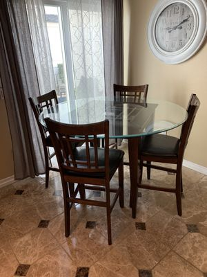 Beautiful Round Glass and Wood Dining Table with Chairs for Sale in Placentia, CA