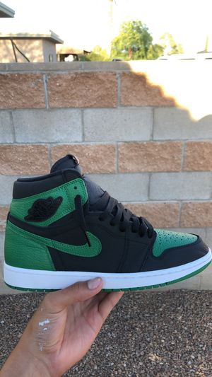 Jordan 1 Retro High Pine Green Black for Sale in Tucson, AZ