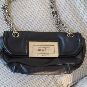 CHANEL 2.55 CC Chain Shoulder Bag Leather (Calf)black Used for Sale in Lake Elsinore, CA