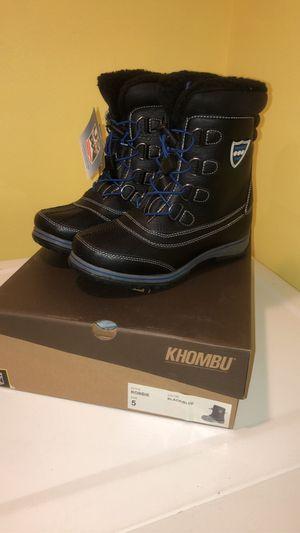 NEW Khombu boys boot size 5/Botas de nino talla 5 for Sale in Stickney, IL