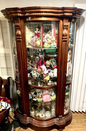 Half moon china cabinet antique. for Sale in La Habra Heights, CA