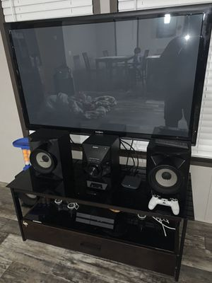 "47"" Tv with Stand for Sale in Oak Lawn, IL"