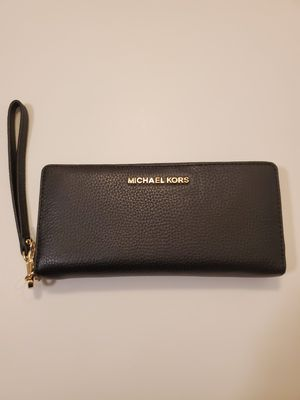 Michael Kors Wallet ( with tags ) for Sale in San Gabriel, CA