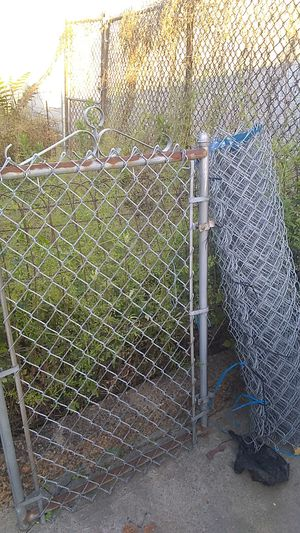 Cyclone fence 25ft with gate for Sale in Philadelphia, PA