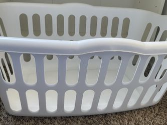 Laundry Basket for Sale in Dixon,  CA