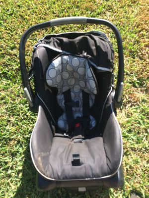 Infant car seat for Sale in Fairhope, AL