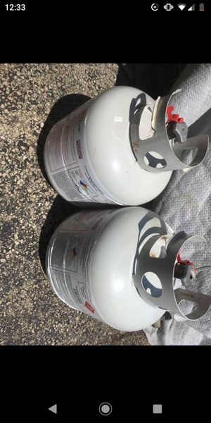 Full Tank Propane Tank For Outdoor Gas BBQ Grill for Sale in Oak Lawn, IL