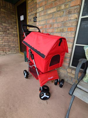 WATER RESISTANCE DOG STROLLER for Sale in Dallas, TX