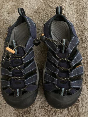 Keen Womens Water Shoes - Size 6 for Sale in Sacramento, CA