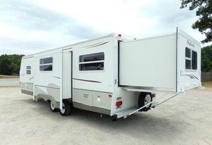07 Trailer White Camper for Sale in Orlando, FL