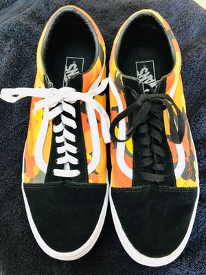 MEN'S CAMO SUEDE VANS for Sale in Pomona, CA