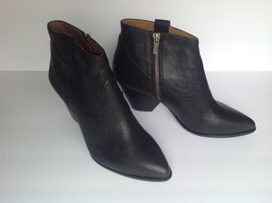 Leather Frye Reina Bootie - Black. Size 8 for Sale in Sudley Springs, VA
