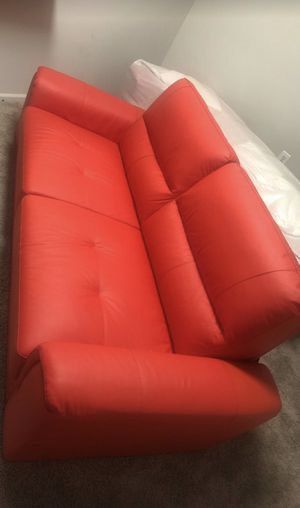 Brand new couch for Sale in Berwyn Heights, MD
